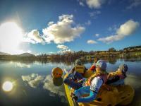 Mit einem Paddleboat (Tretboot)