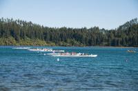 Nationalwettkampf der Schule mit Booten